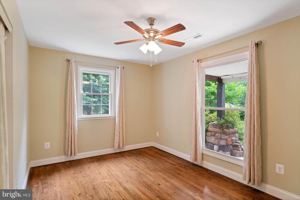 First floor Bedroom - 12805 KAHNS RD, MANASSAS