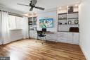 Bedroom #2 w/ custom murphy bed/office system - 11568 LINKS DR, RESTON