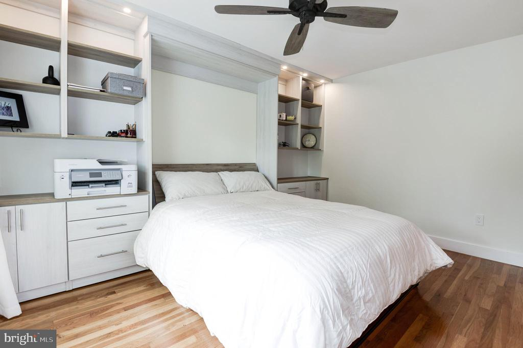 Bedroom #2 with custom murphy bed down - 11568 LINKS DR, RESTON