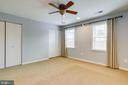 curtains convey   couble closet - 6705 WASHINGTON BLVD #G, ARLINGTON