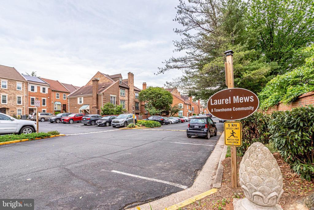 Entrance to Laurel Mews from Lee Hwy - 6705 WASHINGTON BLVD #G, ARLINGTON