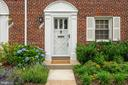 Beautifully landscaped entry - 710 N NELSON ST, ARLINGTON