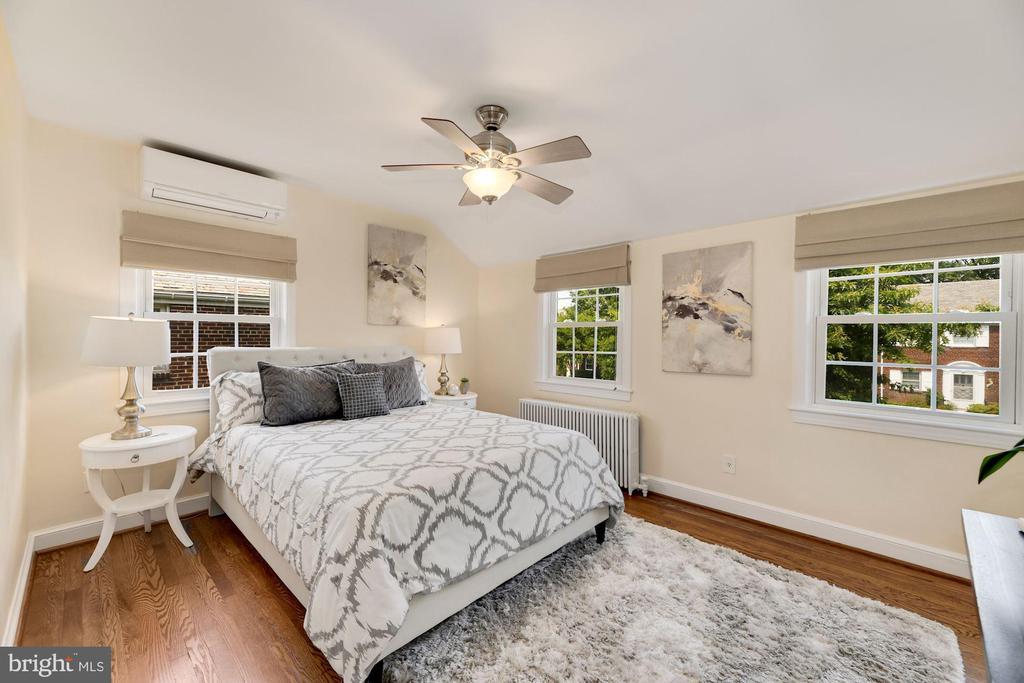 Upper Level Front Bedroom - 710 N NELSON ST, ARLINGTON