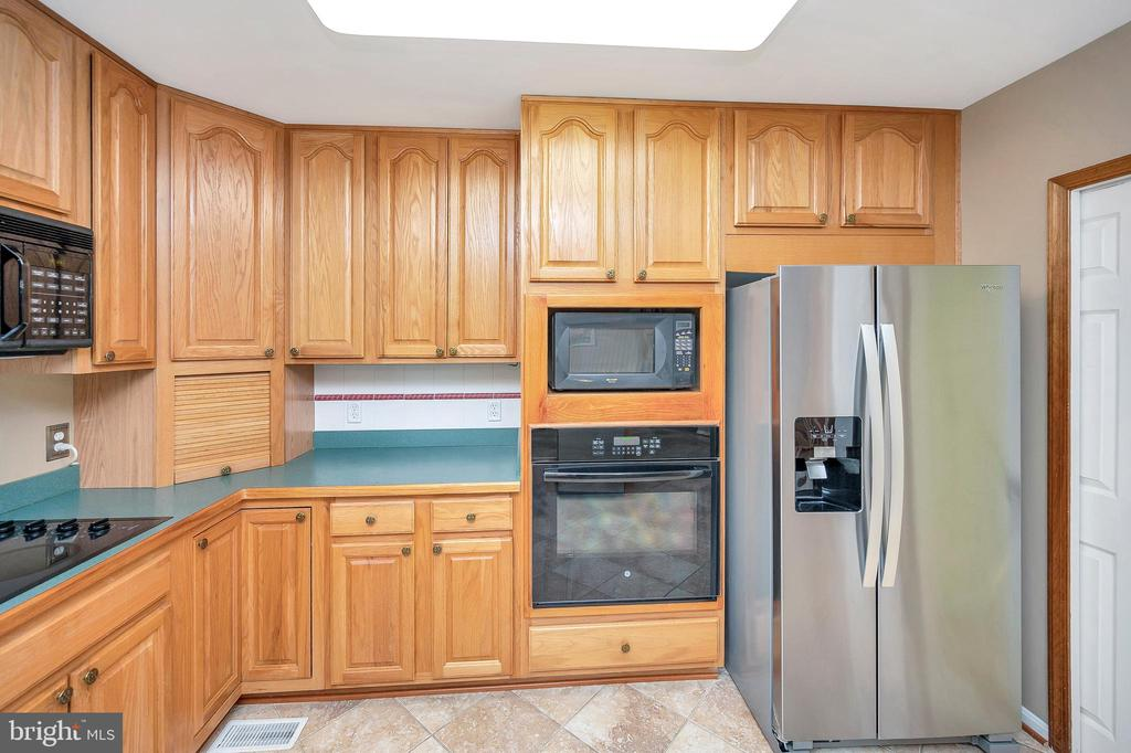 Ample  Cabinetry & Counters - 205 PINE VALLEY RD, LOCUST GROVE