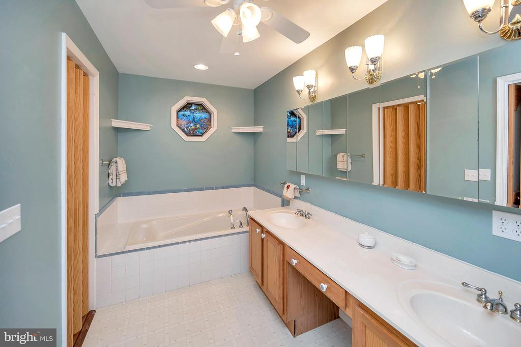 In addition there is a Soak Tub - 205 PINE VALLEY RD, LOCUST GROVE