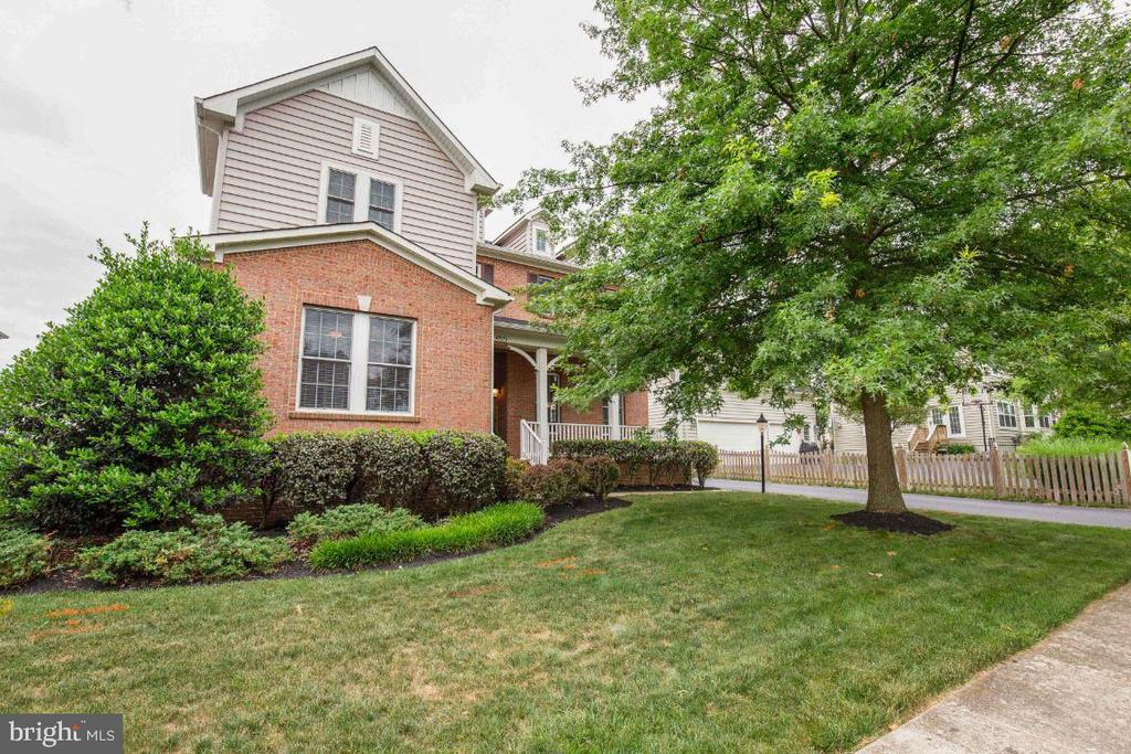 Front - 41873 REDGATE WAY, ASHBURN