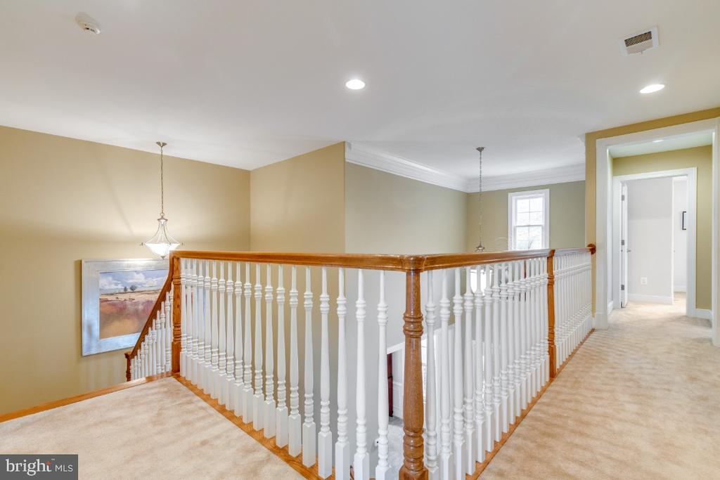 Stairway and Hallway on Bedroom Level - 41873 REDGATE WAY, ASHBURN