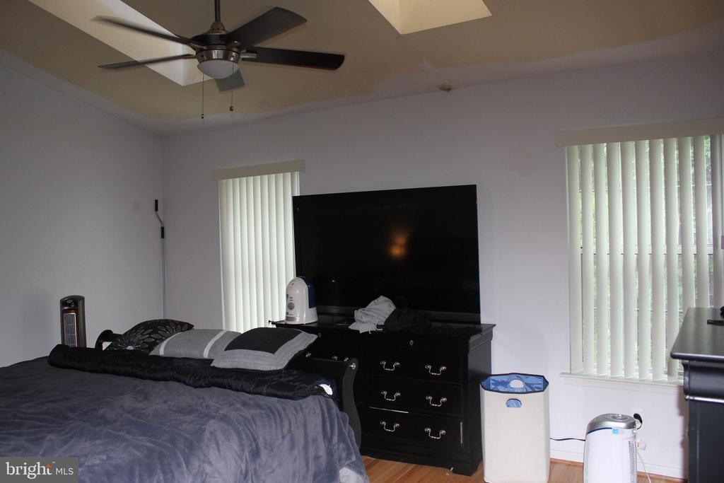 Master Bed Room - 8235 WALNUT RIDGE RD, FAIRFAX STATION