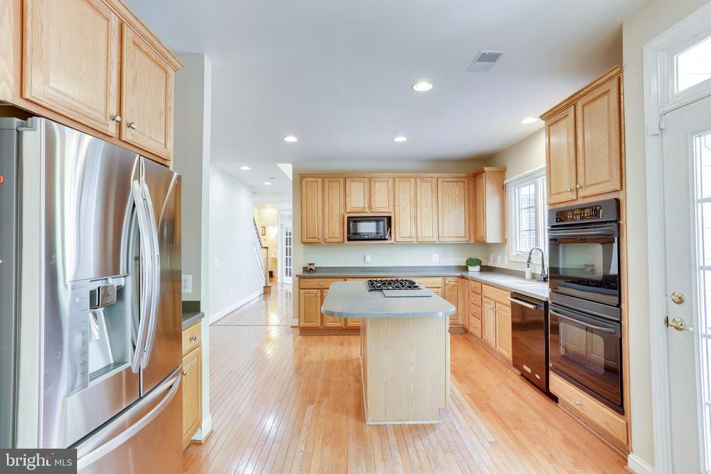 Stainless fridge great selection - 4525 MOSSER MILL CT, WOODBRIDGE