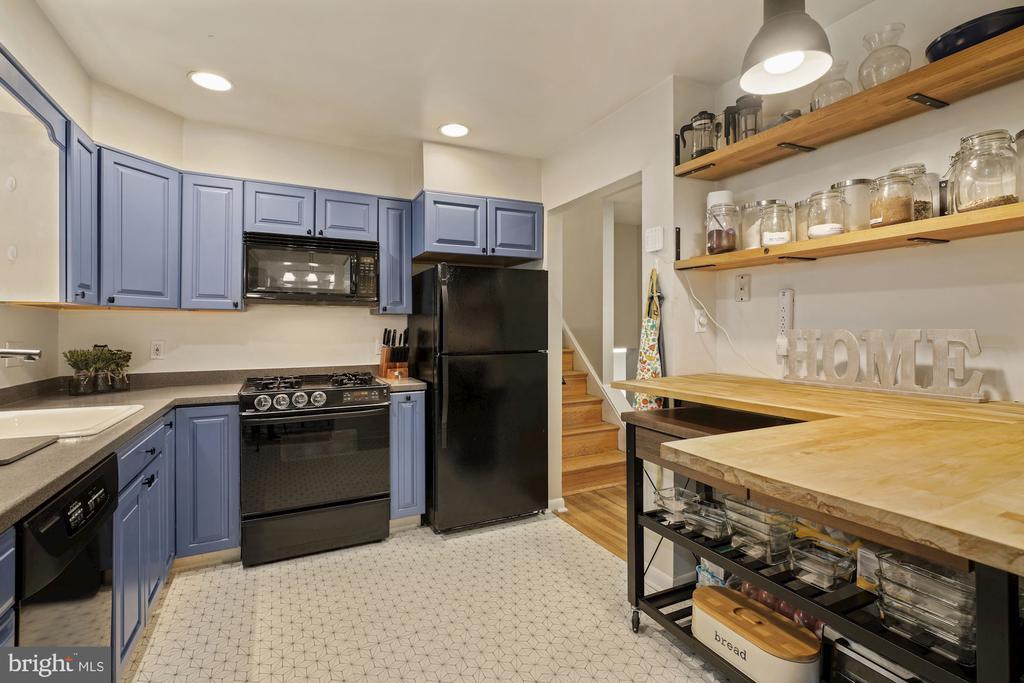 Gorgeous Updated Kitchen - 4303 FIELDING ST, ALEXANDRIA