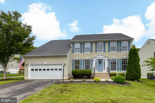 5 COUNTRY MANOR DR