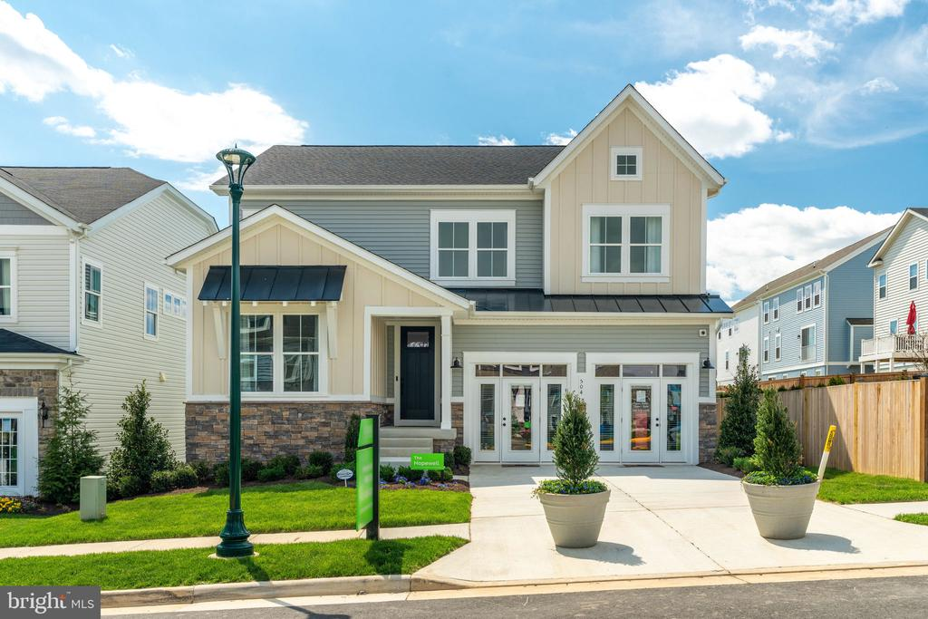 Model Home - 169 HIBISCUS DR, STAFFORD