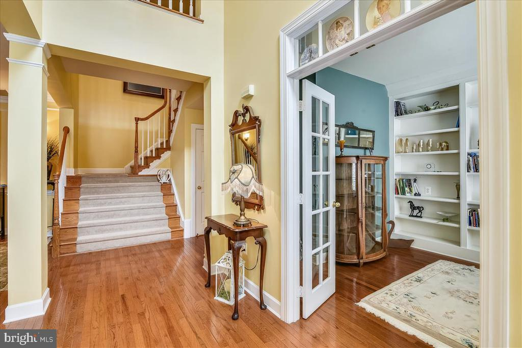 Extra wide staircase - 43427 WILD DUNES SQ, LEESBURG