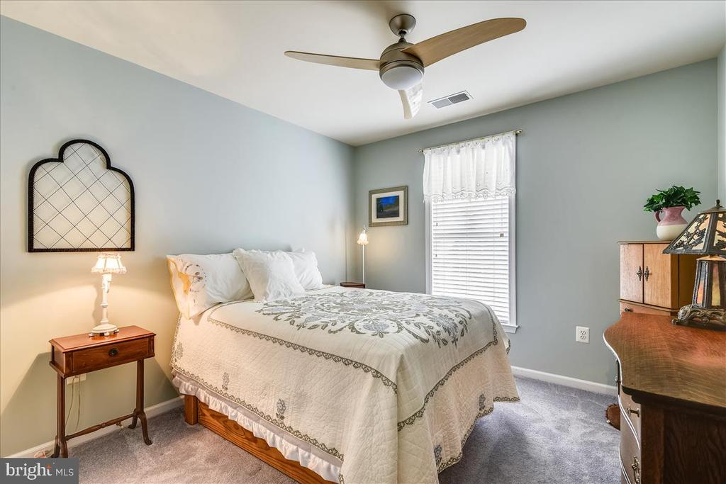 Fourth BR in lower level - 43427 WILD DUNES SQ, LEESBURG