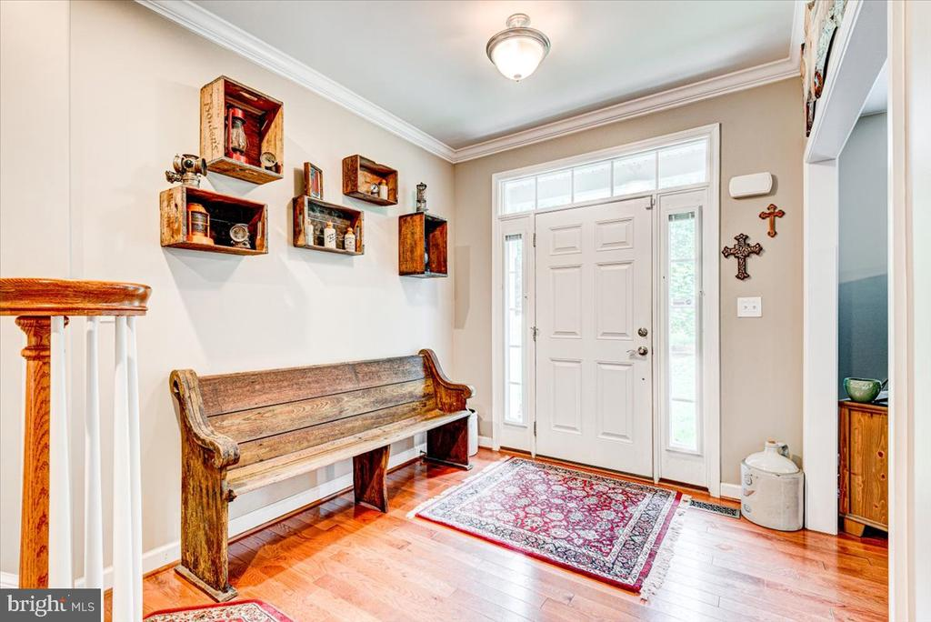 Open foyer welcomes you into this spacious home. - 26 BLOSSOM TREE CT, STAFFORD