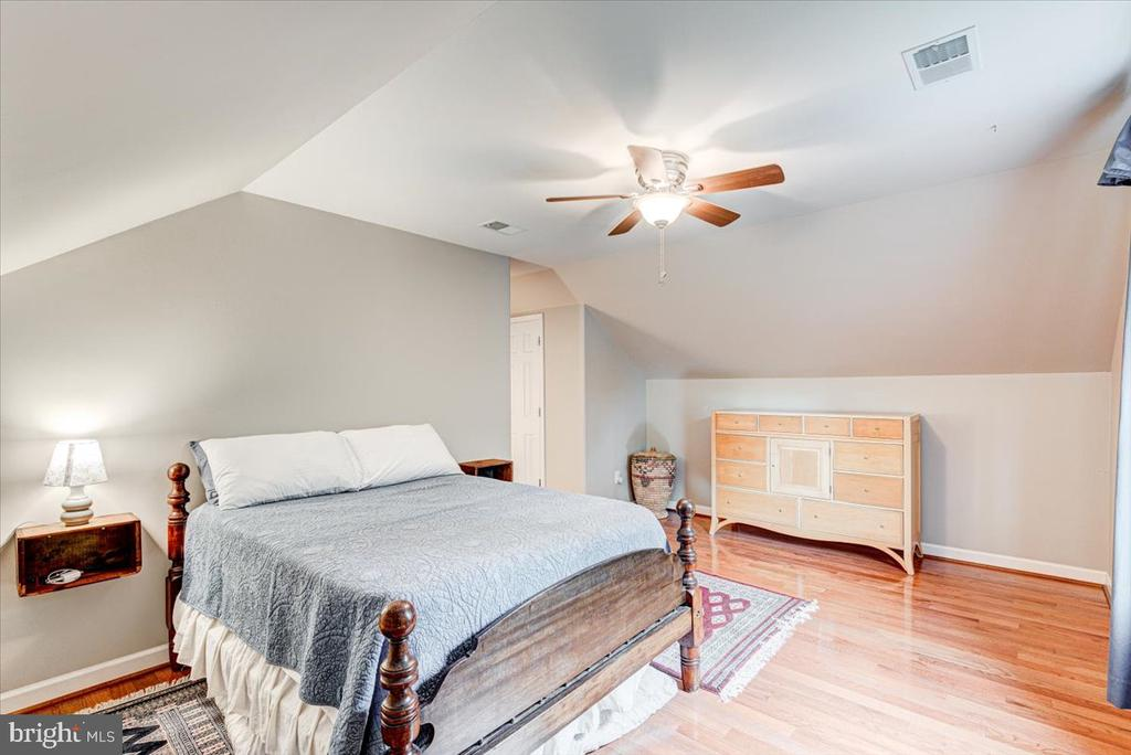 All bedrooms with ceiling fans - 26 BLOSSOM TREE CT, STAFFORD