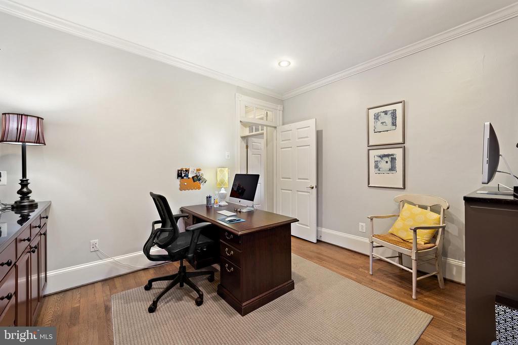 Office #4 - Hardwood Floors - 213 LOUDOUN ST SW, LEESBURG
