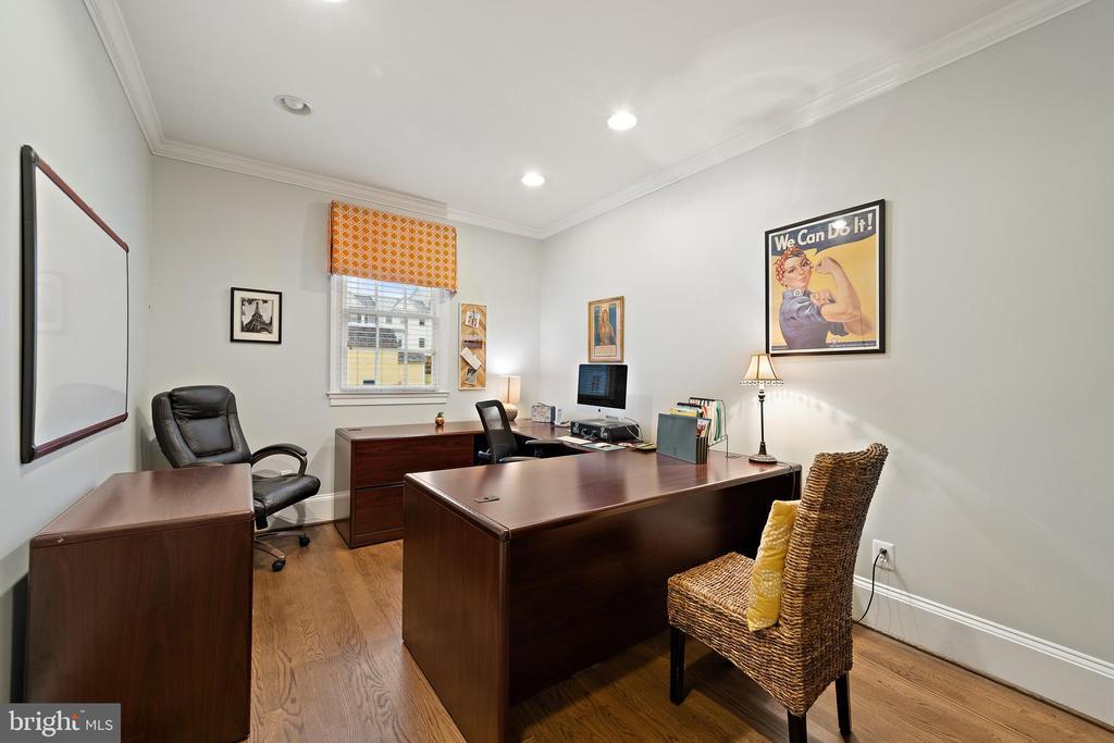 Office #5 - Hardwood Floors - 213 LOUDOUN ST SW, LEESBURG