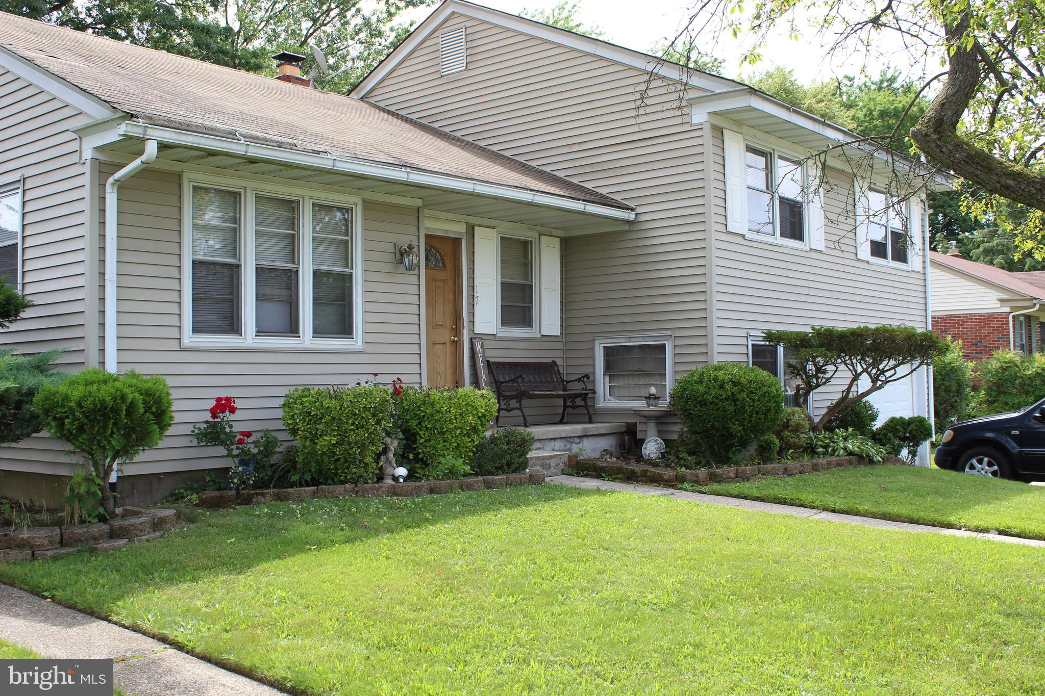 17 Kenwood Dr, Cherry Hill
