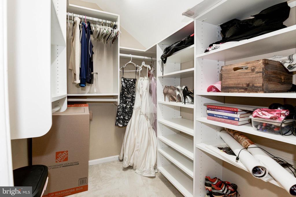 Primary Bedroom Walk-In Closet - 1211 HERITAGE COMMONS CT, RESTON