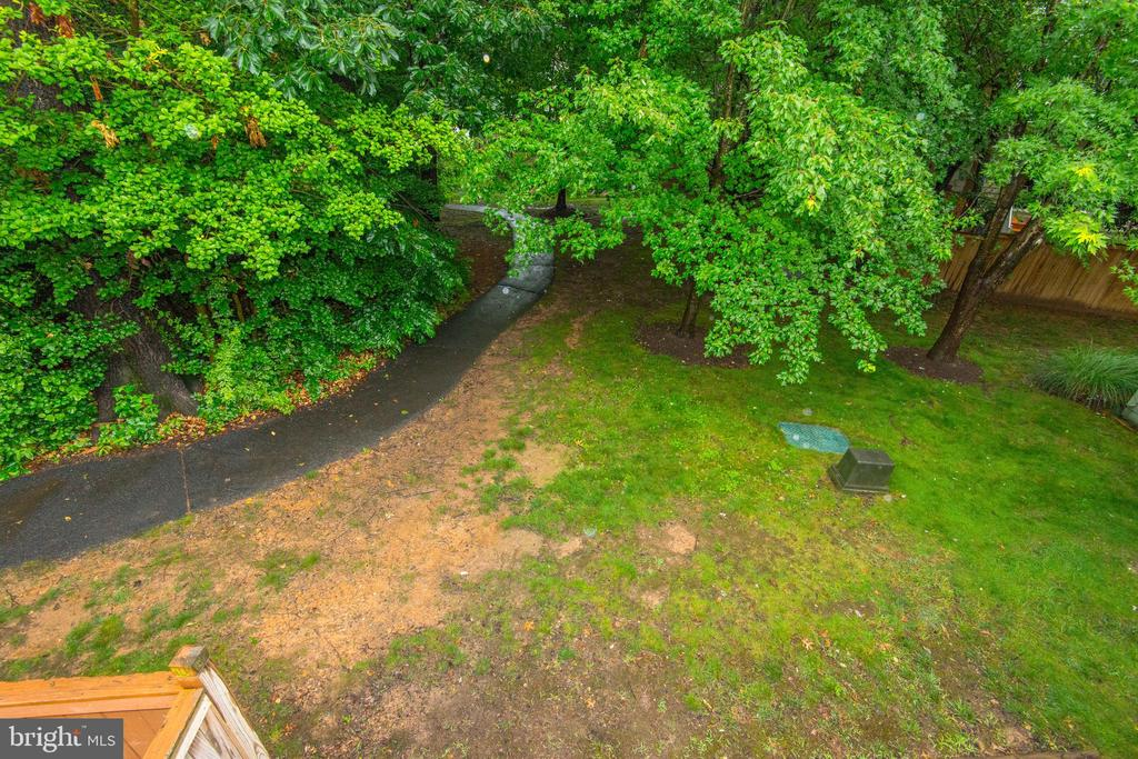 Peaceful View of North Reston Woods - 1211 HERITAGE COMMONS CT, RESTON