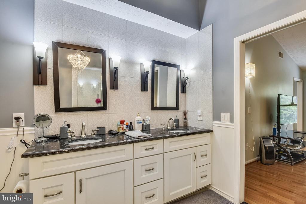 Double Vanity in Primary Bath - 1515 STUART RD, RESTON
