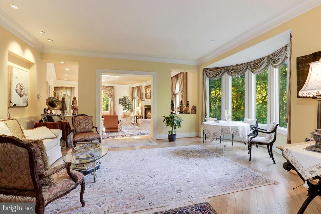 Music room leading to private study - 1342 POTOMAC SCHOOL RD, MCLEAN