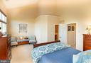 Primary bedroom sitting area - 5000 DONOVAN DR, ALEXANDRIA