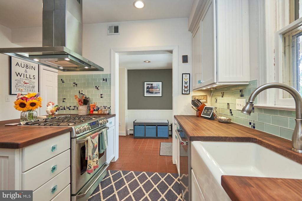 Ceiling Fanin Kitchen - 9012 GRANT AVE, MANASSAS