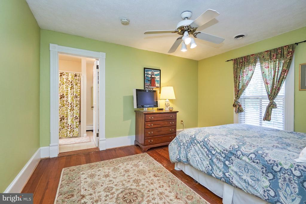 Secondary Bedroom - 9012 GRANT AVE, MANASSAS
