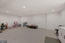 add'l LL space for game room/play room - 1015 AKAN ST SE, LEESBURG