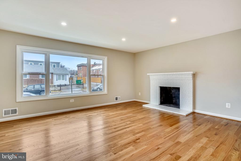 Living Room - 900 S WAKEFIELD ST, ARLINGTON