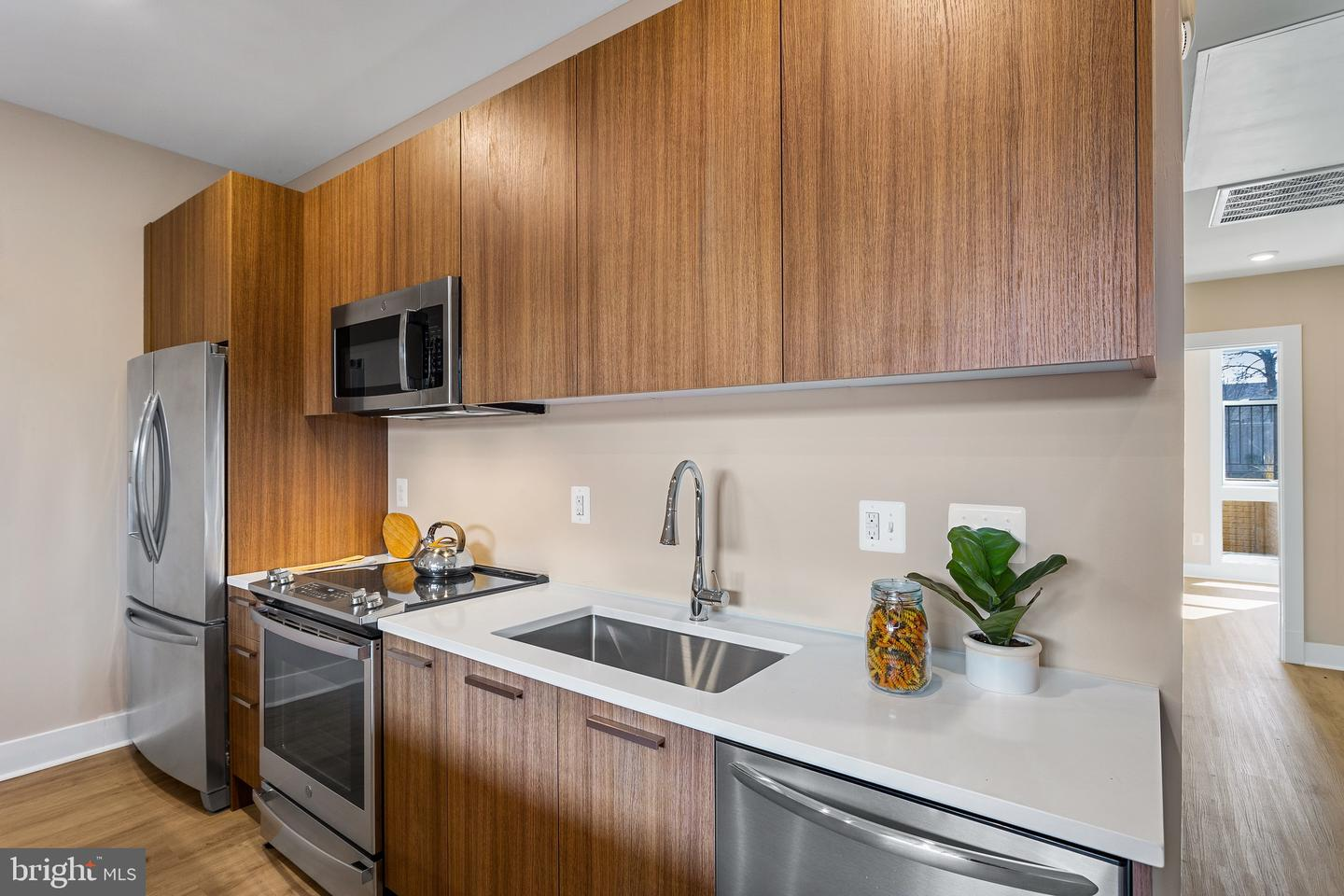 1116 SOUTH HIGHLAND STREET, ARLINGTON, Virginia 22204, 2 Bedrooms Bedrooms, ,1 BathroomBathrooms,Residential,For Sale,SOUTH HIGHLAND STREET,VAAR179100