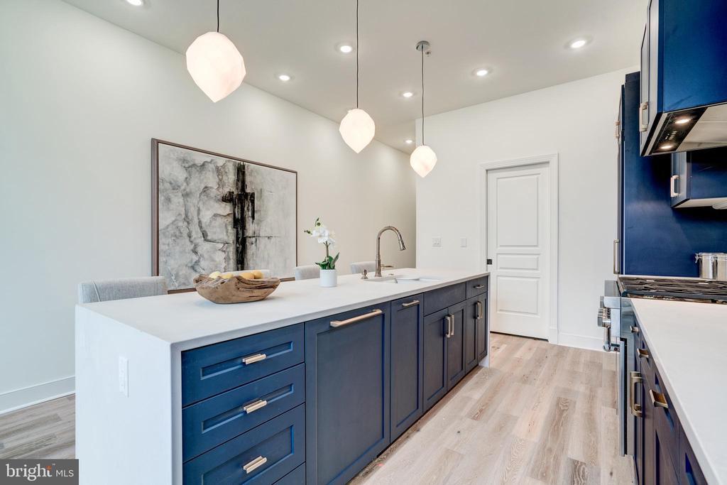 Gorgeous Cabinets - 1737 11TH ST NW ##200, WASHINGTON