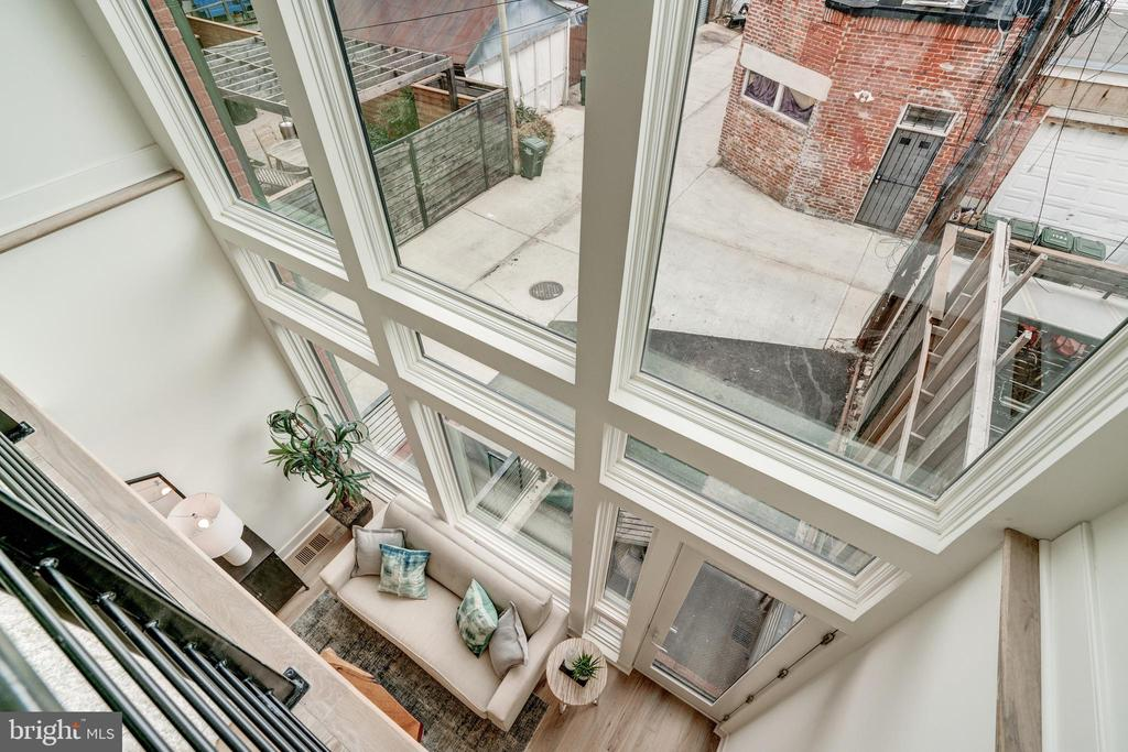 Stunning Two Story Floor to Ceiling Windows - 1737 11TH ST NW ##200, WASHINGTON