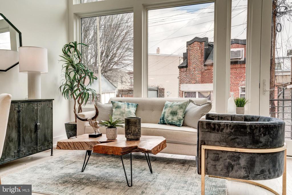 Living Room - 1737 11TH ST NW ##200, WASHINGTON