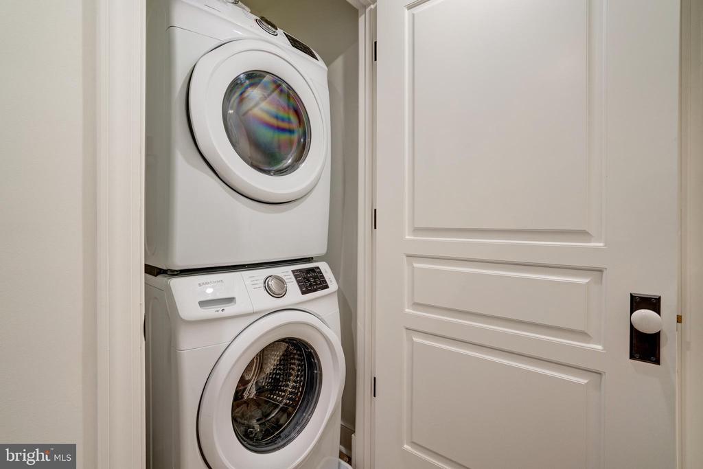 Convenient Washer Dryer - 1737 11TH ST NW ##200, WASHINGTON