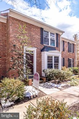 2438 S WALTER REED DR #4