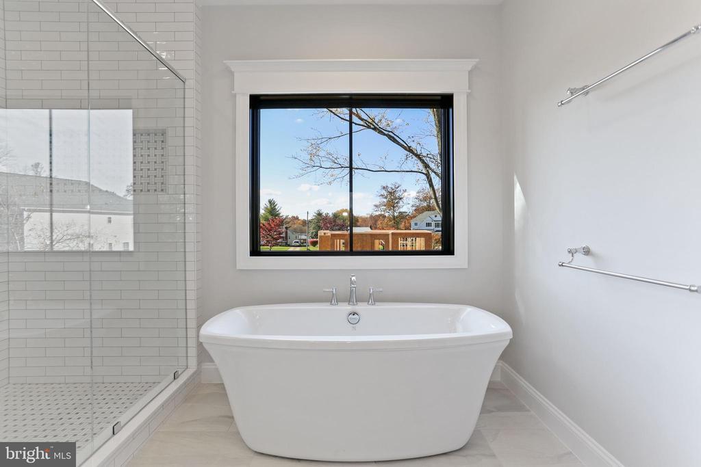 Sample: Primary Bath - 114 ELM ST SW, VIENNA