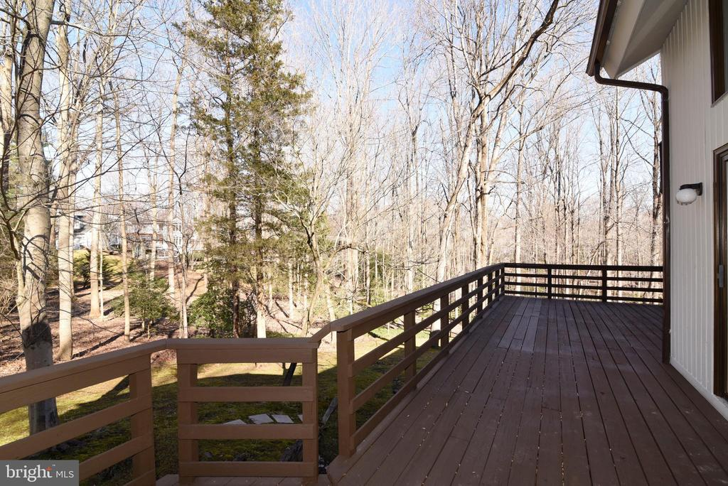 Deck off Family Rm - 1101 PEPPERTREE DR, GREAT FALLS
