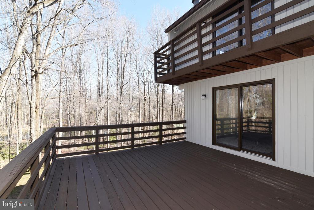 Deck and Upper Balcony - 1101 PEPPERTREE DR, GREAT FALLS