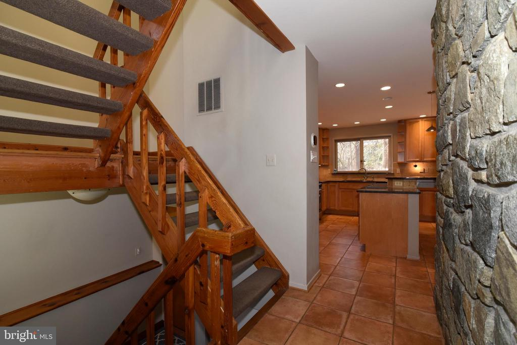 Main Level Hall - 1101 PEPPERTREE DR, GREAT FALLS