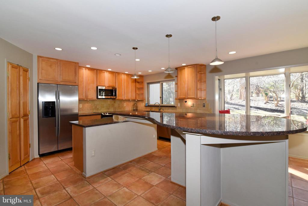 Kitchen - 1101 PEPPERTREE DR, GREAT FALLS