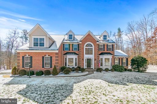 14 MILLS HOLLOW DR