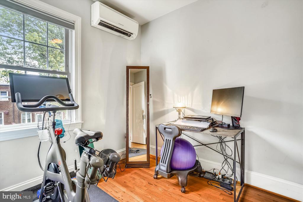 Den makes great work from home space - 2600 16TH ST S #713, ARLINGTON