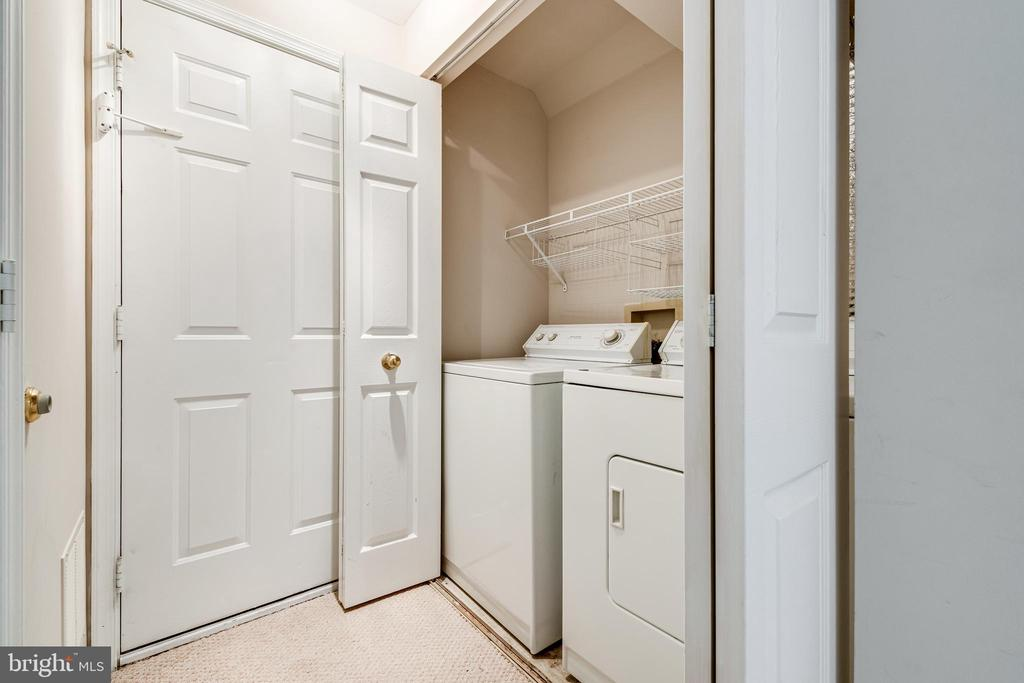Washer and dryer on lower level - 6151 BRAELEIGH LN, ALEXANDRIA