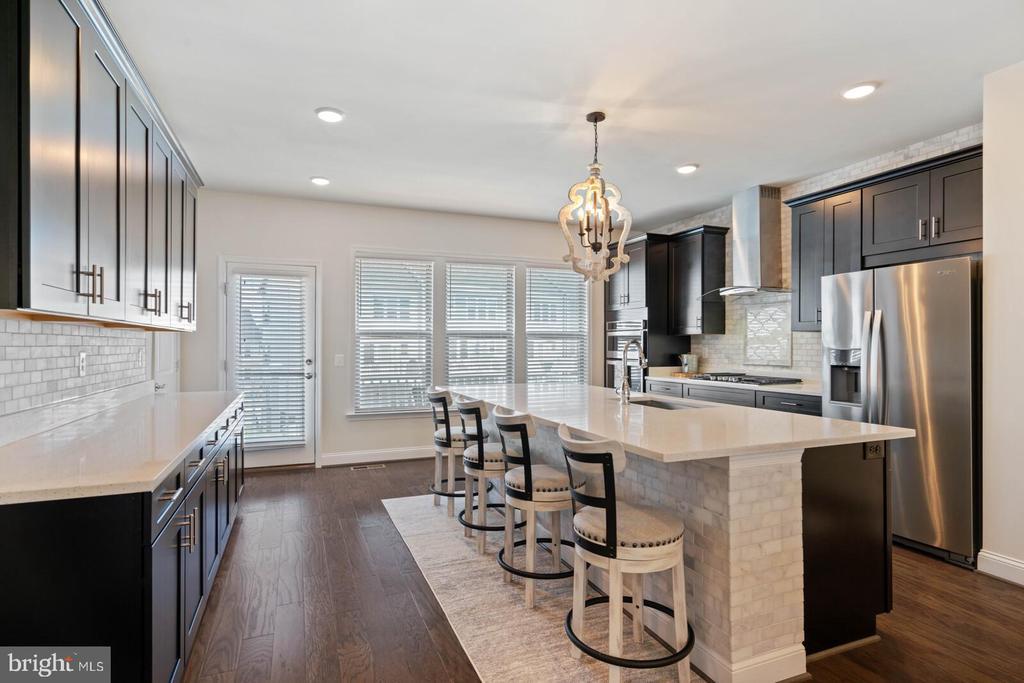 Stunning kitchen - 2066 ALDER LN, DUMFRIES