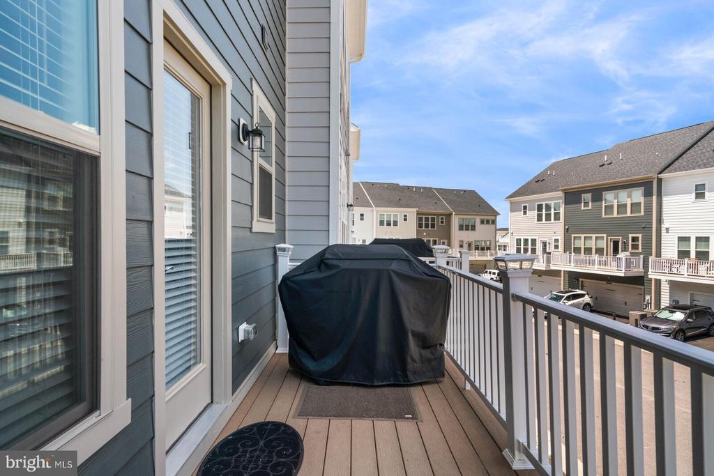 Balcony off the kitchen - 2066 ALDER LN, DUMFRIES