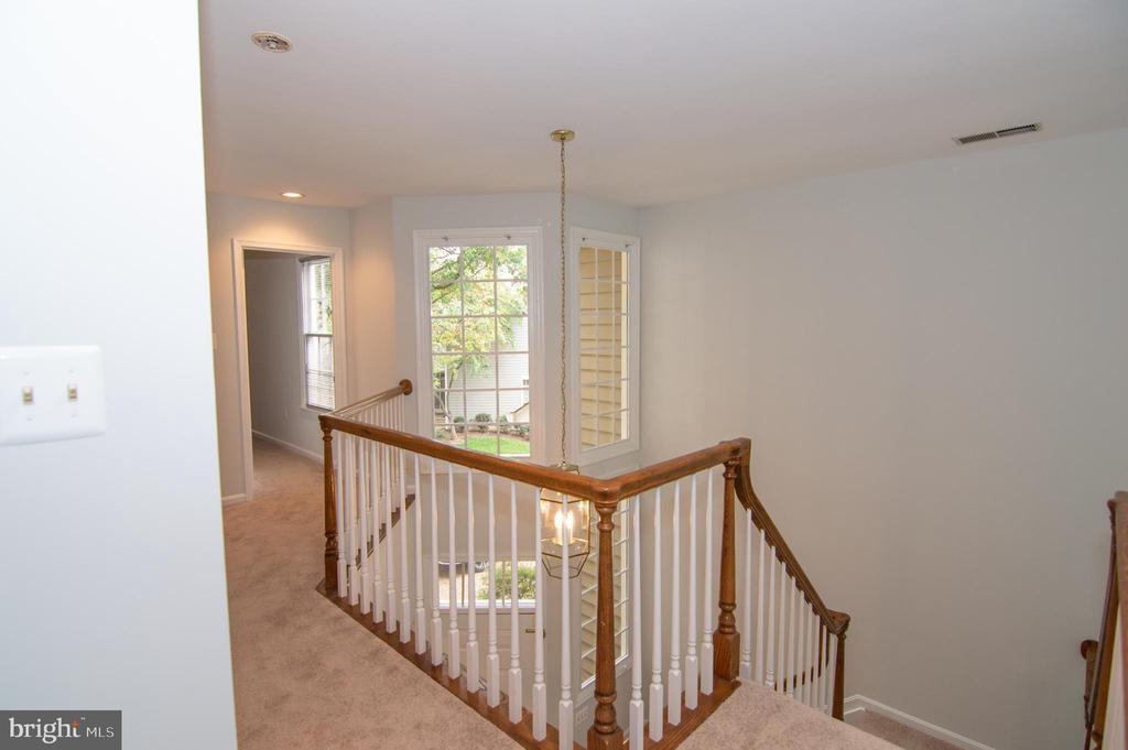 Upper Level Hallway - 11415 HOLLOW TIMBER WAY, RESTON