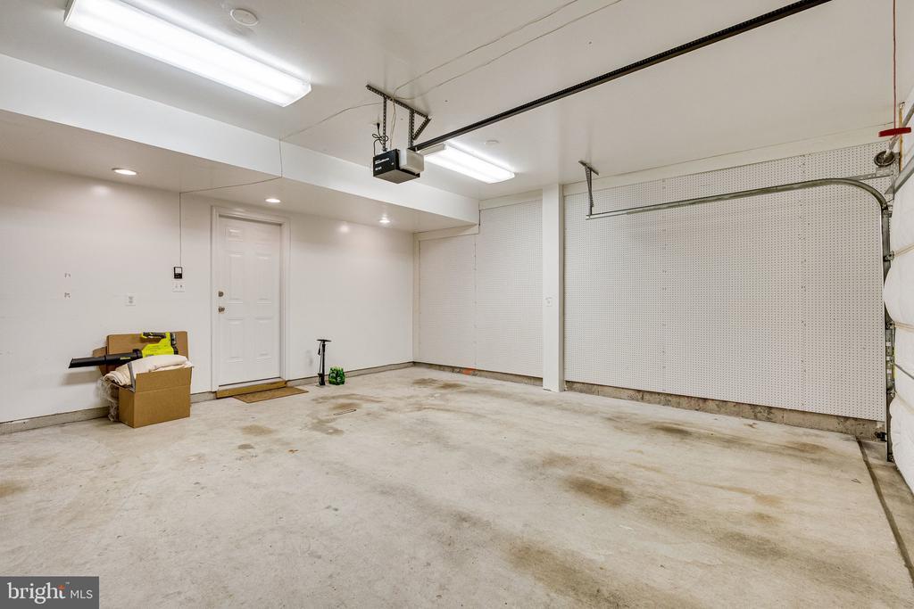 2 car garage w pegboard for storage - 42965 EDGEWATER ST, CHANTILLY